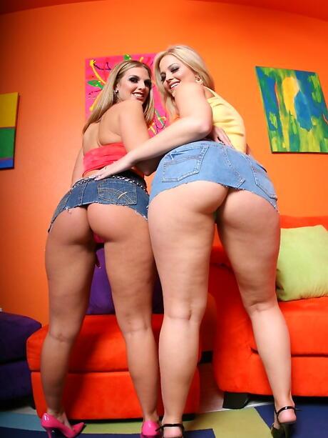 Big Lesbian Ass Pictures