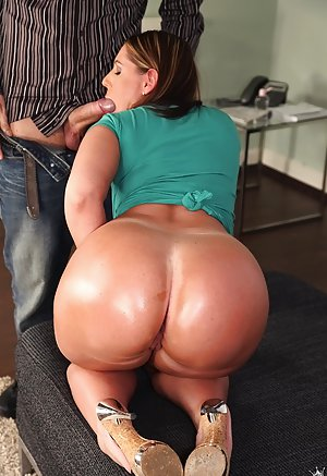 Big Ass Blowjob Pictures