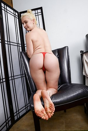 Foot Fetish Ass Pictures