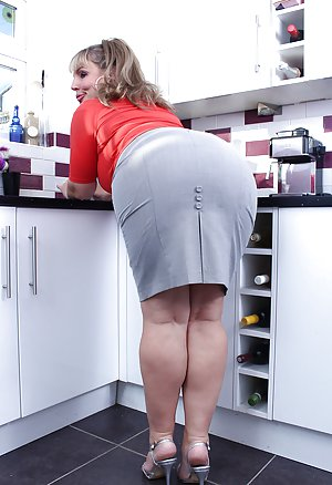 Big Ass Housewife Pictures