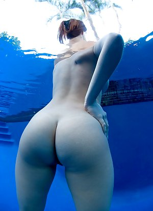 Big Ass in Pool Pictures