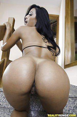 Big Ass Milf Pictures